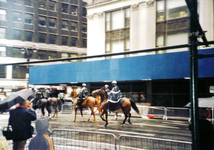 Agenten te paard op Broadway