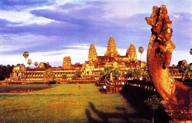 Angkor Wat 24