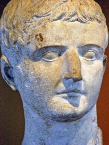 Archeologisch museum 33 (Tiberius)