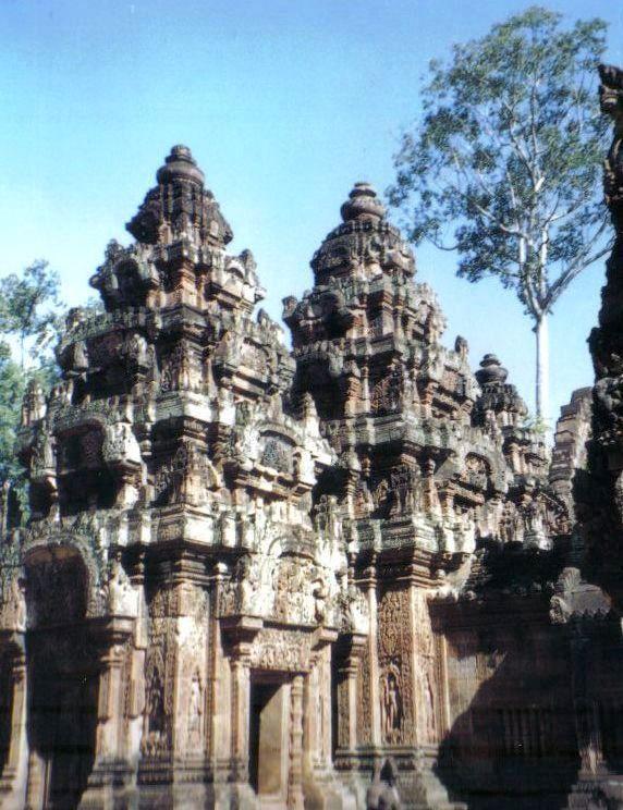 Banteay Srei 01
