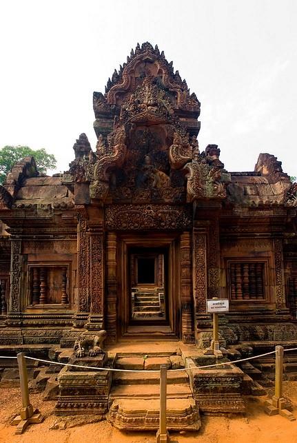 Banteay Srei 29