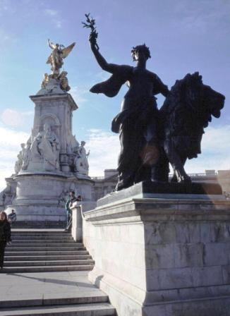 Buckingham Palace 20