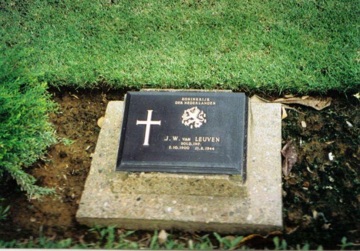 Chungkai-kerkhof 06
