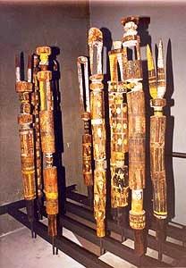 Ethnologisch museum 04 (grafpalen)