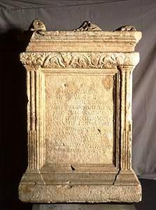 Etruskisch museum 01 (altaar voor cybele en attis)