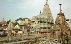 Jagdish-tempel 01