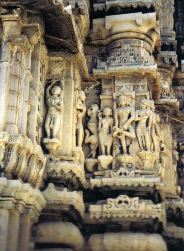 Jagdish-tempel 12