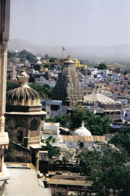 Jagdish-tempel 13