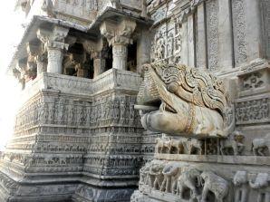 Jagdish-tempel 16