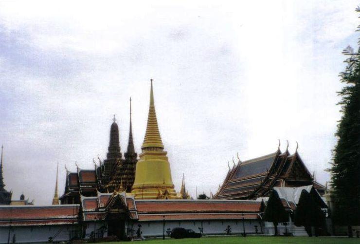 Koninklijk paleis 08 (Phra Si Rattana Chedi)
