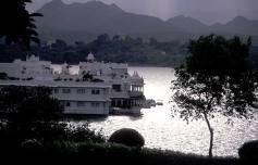 Lake Palace Hotel 02