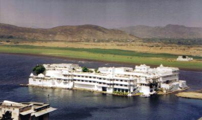 Lake Palace Hotel 04