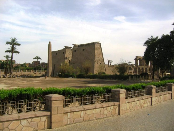 Luxor 13