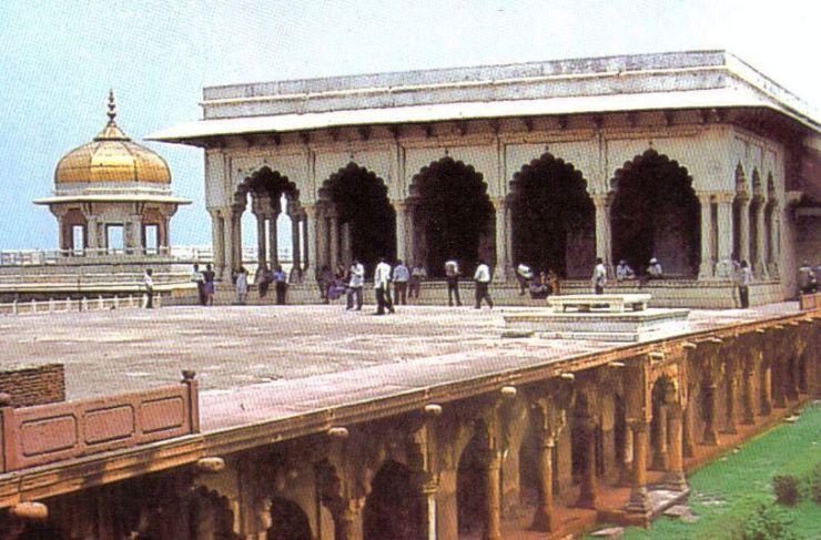 Rode fort 12 (Diwan-i-Khas)