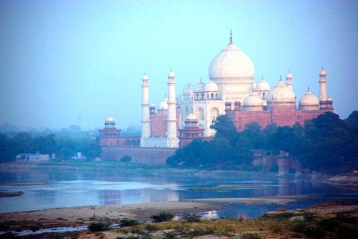Rode fort 20 (Taj Mahal gezien vanaf het fort)