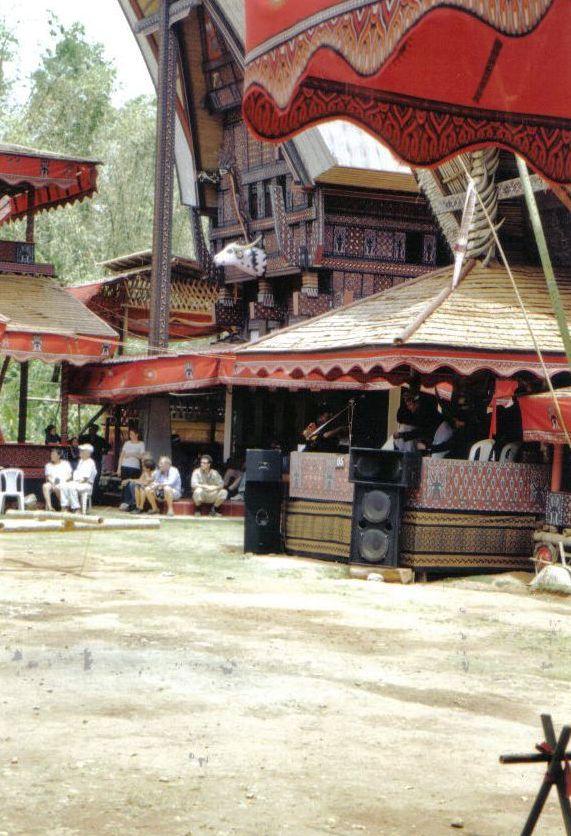 Tana Toraja 29 (begrafenisceremonie)