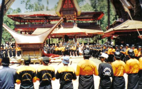 Tana Toraja 35 (begrafenisceremonie)