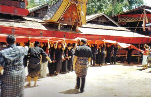 Tana Toraja 36 (begrafenisceremonie)