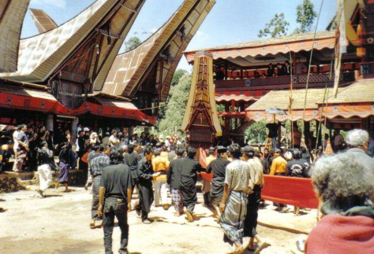 Tana Toraja 37 (begrafenisceremonie)