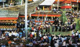 Tana Toraja 49 (begrafenisceremonie)