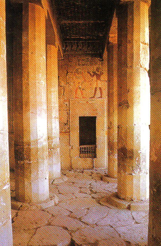 Tempel van Hatsjepsoet 15
