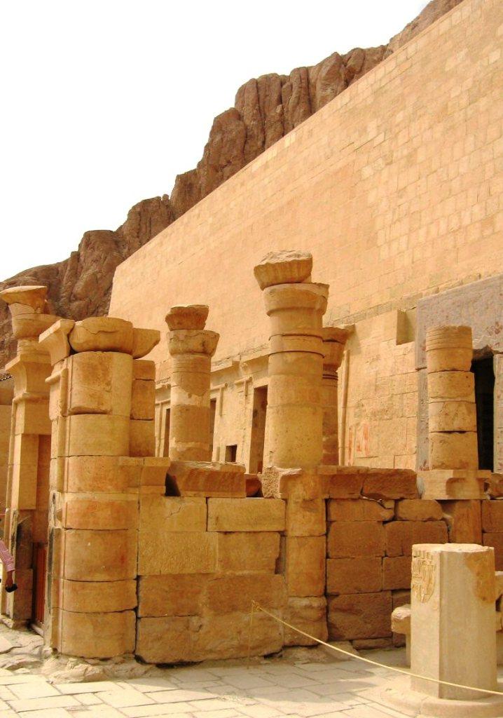 Tempel van Hatsjepsoet 27