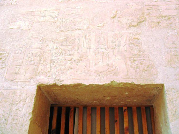 Tempel van Hatsjepsoet 28