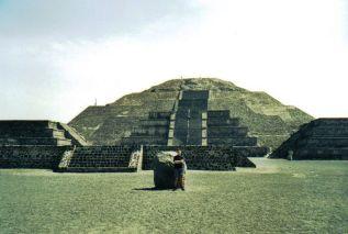 Teotihuacán 04 (Tempel van de maan)