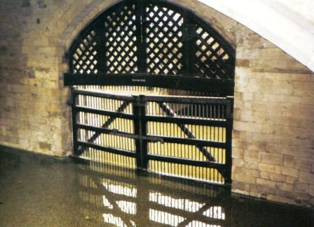 Tower of London 22 (Traitor's gate)