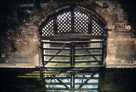 Tower of London 23 (Traitor's gate)