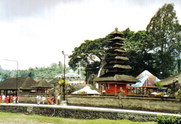 Ulun Danu-tempel 01