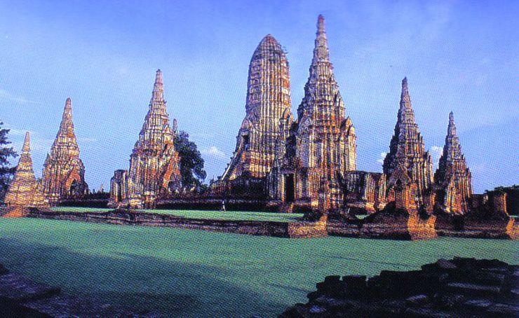 Wat Chai Watthanaram 02