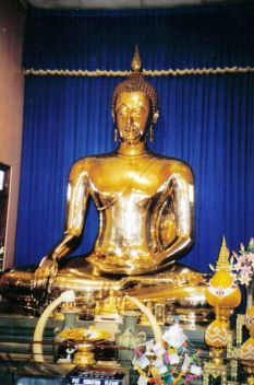 Wat Traimit 03