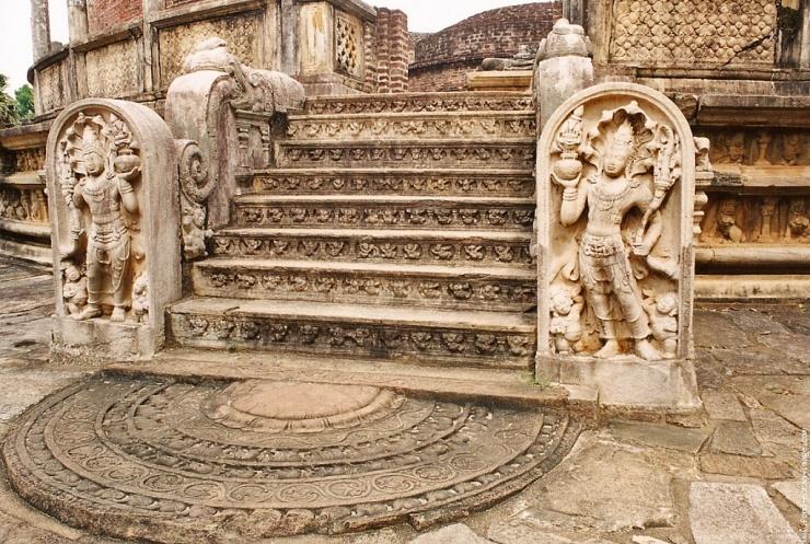 Anuradhapura (72)