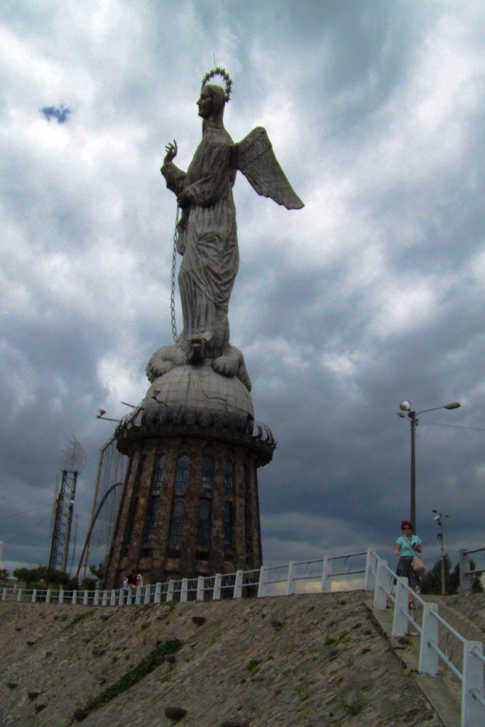 La Virgen (1)