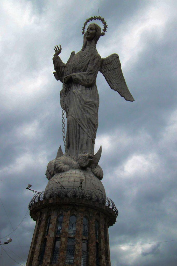 La Virgen (3)