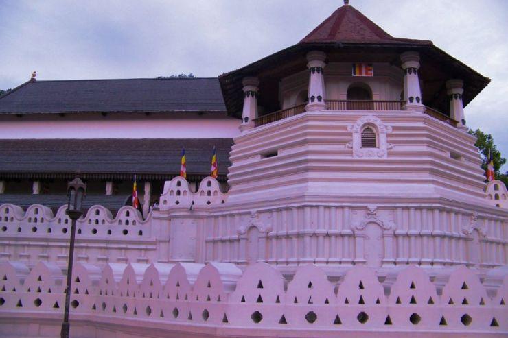Tempel van de Tand (1)