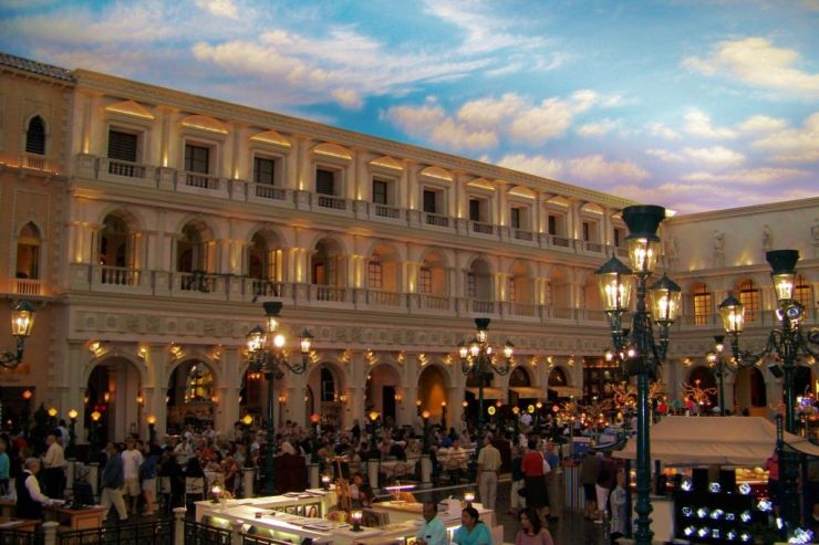 Venetian 11
