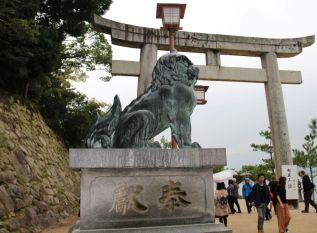 itsukushima-shrine-12