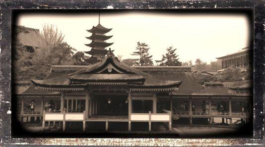 itsukushima-shrine-27