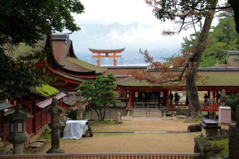 itsukushima-shrine-36