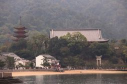 itsukushima-shrine-9